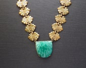 Art Deco Necklace. Fine Peking Glass Shell.