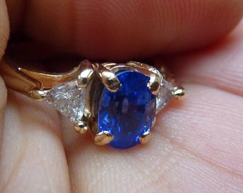 TOP Grade 14k Ceylon Cornflower blue NATURAL sapphire and .30tcw Trillion diamond engagement ring!