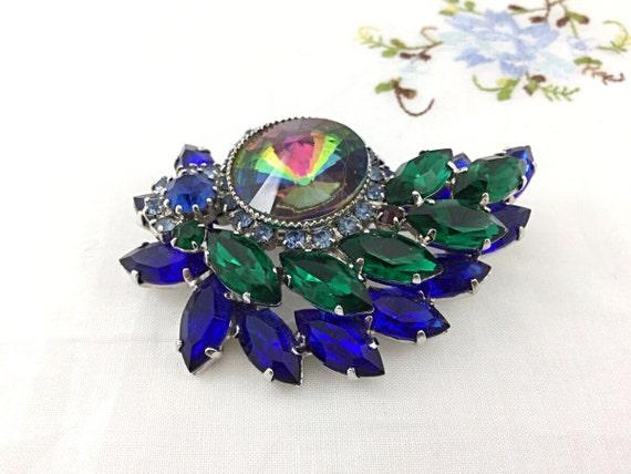 Sweet Vintage Green and Blue Rhinestone Brooch. Heliotrope Rhinestone Brooch, floral setting. Super sparkly unique brooch. High end brooch.