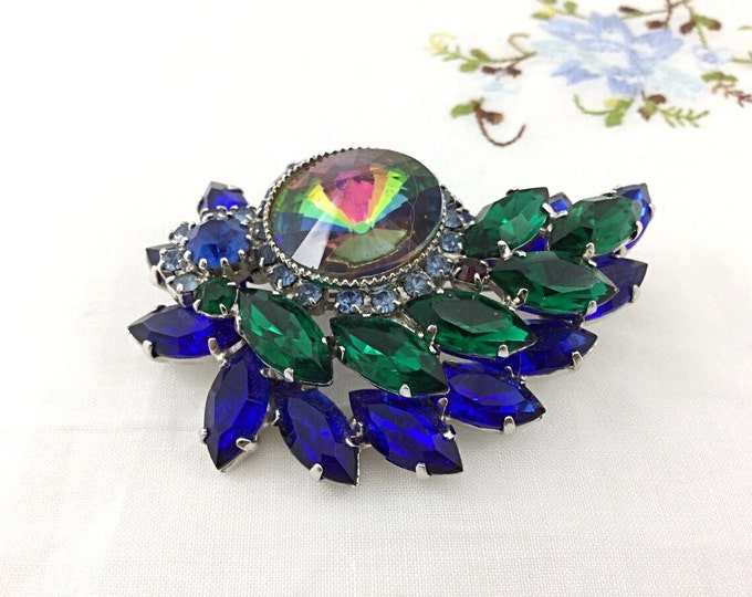 Sweet Vintage Green and Blue Rhinestone Brooch. Heliotrope Rhinestone Brooch, floral setting. Super sparkly unique brooch. High end brooch.