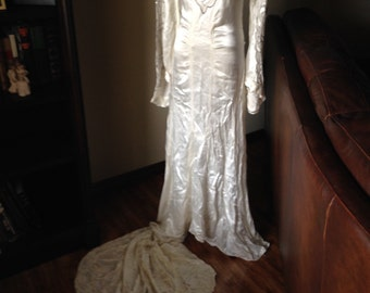 Elegant 1930s Silk Satin Wedding Gown