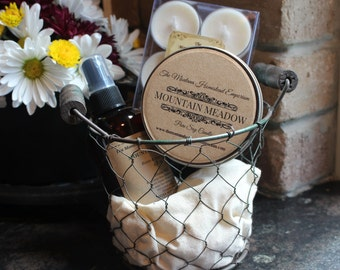 Chicken wire basket candle gift basket rustic farmhouse basket YOU CHOOSE scent soy candles and room spray gift set Montana made soy candles