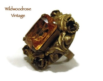 Vintage Art Nouveau Statement Ring & Matching Pendant - Victorian/Edwardian Style Jewelry - Gold Toned with Amber Art Glass and Garnets