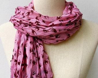SALE - LAST ONE Swallow Print Wrinkled Long Cotton Scarf - Hazel & Pink