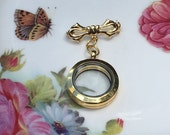 Gold Tiny Bow  Brooch Memory Locket, Vintage Wedding Bouquet Photo Charm, Bridal Bouquet Photo Locket,MoniquesBijouxStudio