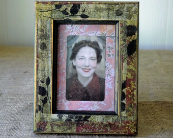 Reclaimed Mixed Media Framed Art // 10 x 8 inches // Decoupaged Distressed Frame with Vintage Photo Image // Handmade Gift// Collage