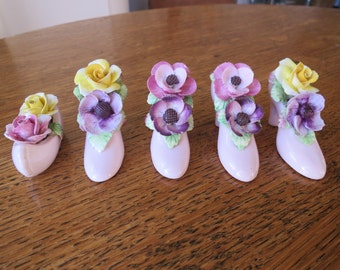 Ceramic floral ornaments
