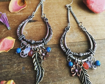 BOHEMIAN DREAM  a pair of hippie chic chandelier earthy charm earrings