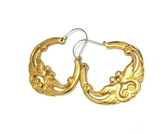 1990s Vintage Gold Tone Love Birds Hoop Earrings
