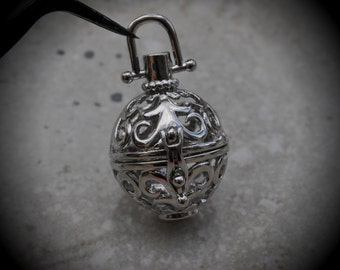 Fleur De Lis Filigree Design Prayer Box Locket in Silver Plated Three Dimensional Pendant Charm