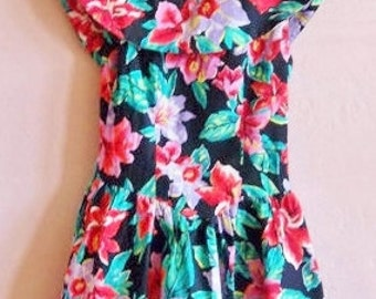 80s 90s vintage tropical print cotton fun flirty sundress skater dress with gathered black net under skirt and shawl collar--size jr 5