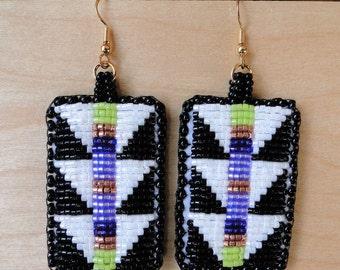 Beaded Earrings, Geometric Lizard Spines White and Black