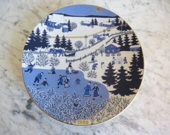 Arabia Finland 1982 Annual Christmas Plate by Raija Uosikkinen