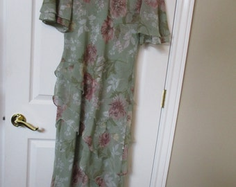 Womens Ladies LINED Mint Green Floral Spring Dress SZ 10 maxi tiered dress vtg virgo dress weddings,party's,work