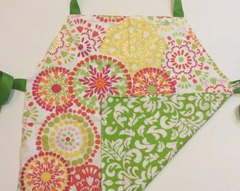 Child's Apron / Smock, reversible pastel circles and green pattern