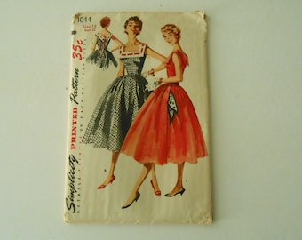 vintage Simplicity 1044 dress 1950's full skirt size 14