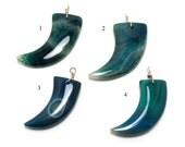 agate horn pendant, gorgeous aqua blue - one piece