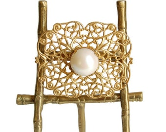 Miriam Haskell Pearl Filigree Brooch Vintage Midcentury Jewelry Modernist Ornate Renaissance Style Gold Brooch Collectibles Accessories