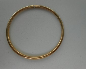 Vintage 10K Solid yellow Gold Hollow Child bangle