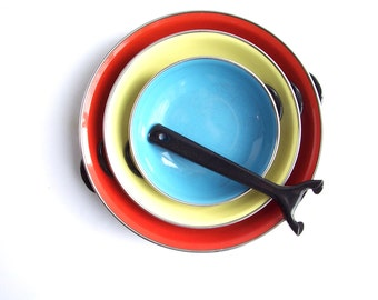 vintage enamel pans red yellow blue with black removable handle
