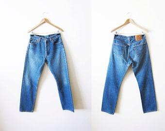 Levis 501 / Vintage Levi's 501s / Boyfriend Jeans / Levis 28