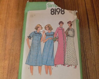 Vintage Simplicity 8198 1970s Nightgown Robe Pattern Size 16
