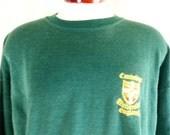 vintage 80's Cambridge University dark forest green fleece emboidered logo graphic sweatshirt men women unisex crew neck pullover jumper XL