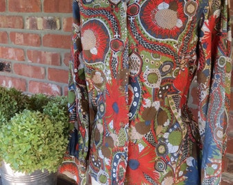 Vintage REtro Psychedelic 1960s Blouse. size small. hippy mid century