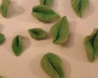 24 Dainty gum paste leaves / Edible cake decorations