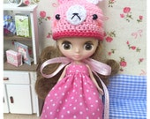 "Petite Blythe / Little Dal Outfit : ""Rabbit in Pink Set"" (Dress and Crochet hat)"