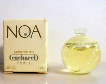 Vintage 1990s Noa by Cacharel 0.25 oz Eau de Toilette Mini Miniature in Box PERFUME