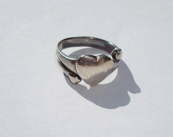 Thick Rustic Silver Pewter Large Heart Small Shooting Heart ring Ladies Size 7