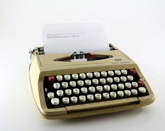 Working 1960's Beige Smith-Corona Corsair Typewriter with Case