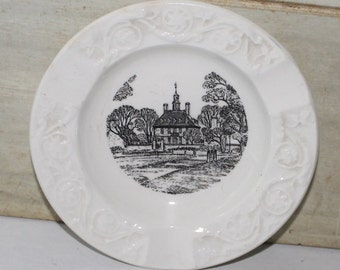 Govenor's Palace Williamsburg Virginia Wedgwood Porcelain Ashtray - Vintage - Collectibles - England - Man Cave Decor - Etruria - Barlaston
