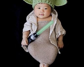 Space Alien Crochet hat - Photo prop - yoda hat- baby Yoda beanie - yoda newborn hat - wars hat - force hat - green yoda hat - unisex yoda