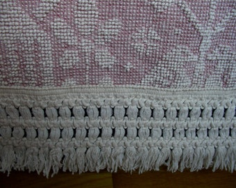 Double Bed Size Hobnail Bedspread Pink and Ivory 92 x 112