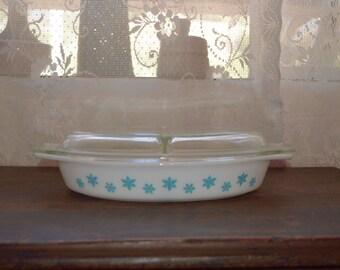 Vintage Pyrex Snowflake divided casserole dish turquoise blue 1 1/2 qt casserole