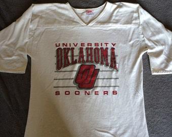 Vintage University of Oklahoma Sooners Athletic Fit T-Shirt