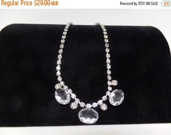 CHRISTMAS in JULY SALE Beautiful Vintage Clear Crystal Necklace
