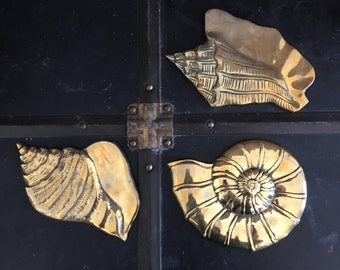 Vintage Brass Shell Wall Decor