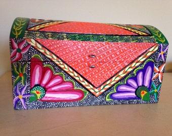 Mexican jewelry box- Oaxacan folk art- Oaxaca Mexico wood carving alebrije style