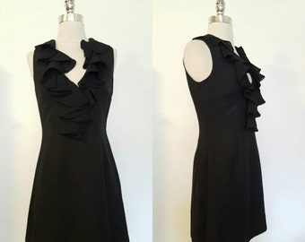 ON SALE 1980s Little Black Dress with Ruffled Collar Size 4