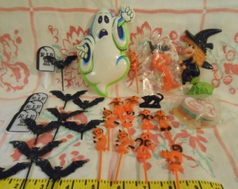 Collection Of Vintage Halloween Cake Toppers And Picks
