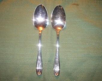 """2 Oneida """"Chippendale aka Adair""""1919 Serving Spoons Pre-Owned 1900-40 International"""