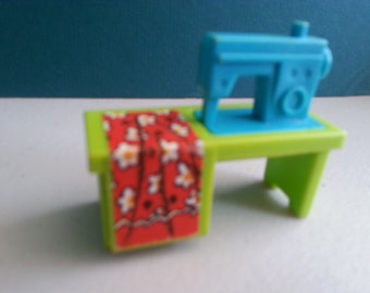 Vintage FISHER PRICE Little People Rare SEWING Machine from #725 Play Family House Bath/Utility Room Set