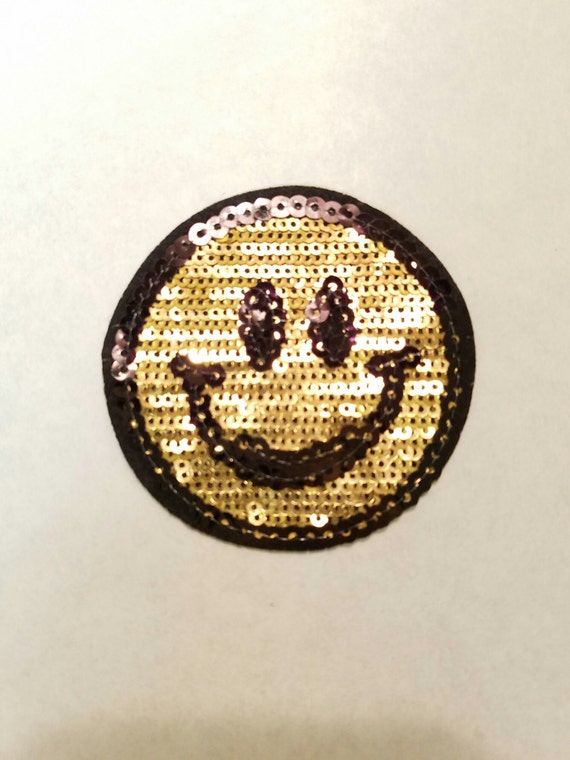 new iron on smiley face sequin appliqu patch motif pop. Black Bedroom Furniture Sets. Home Design Ideas
