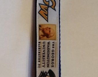 Handcrafted NCAA George Washington University Colonials Key Chain Wristlet NEW