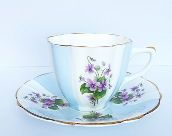 Vintage Teacup - Antique - Flowers and Gold accents ~ Made in England~ Cup & Saucer~ Floral~ Fine Bone China / Bridal Teacup