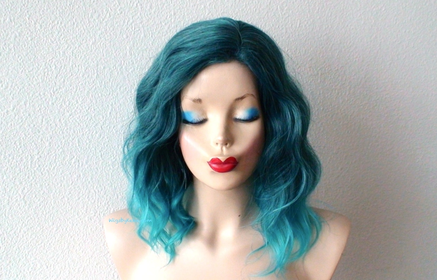 Ombre Wig. Pastel Teal Ombre Wig. Beach Wave Hairstyle Wig