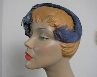 1950s Periwinkle Feathered Bird Band....size Small....  Fascinator /  Mini Hat